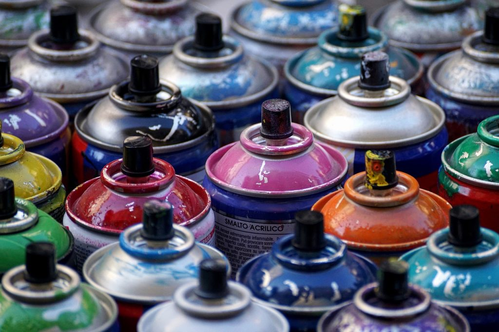 What is the best paint for plastic?